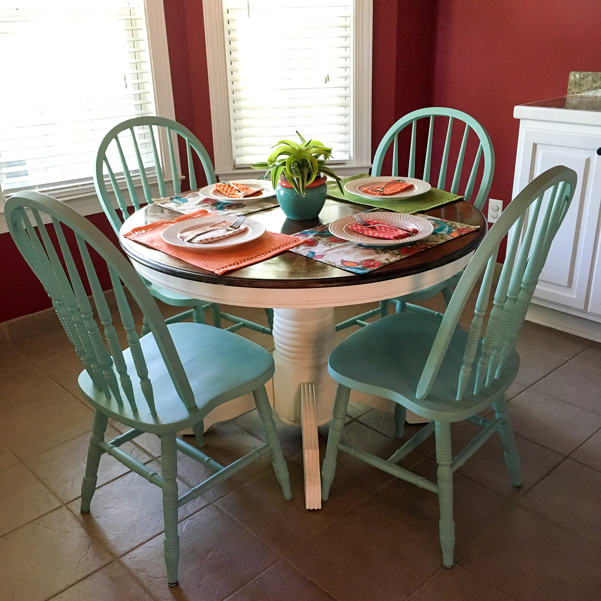 White Kitchen Table Chairs: Turquoise And White Kitchen Table